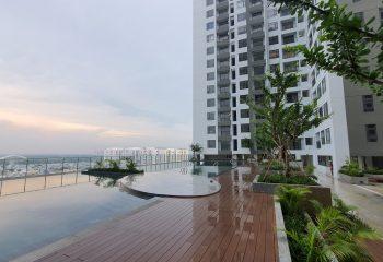 Hồ bơi tầng 7 tại dự án Central Premium